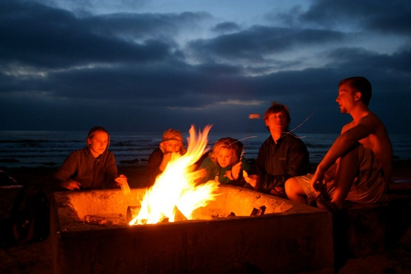 how to build a campfire on the beach