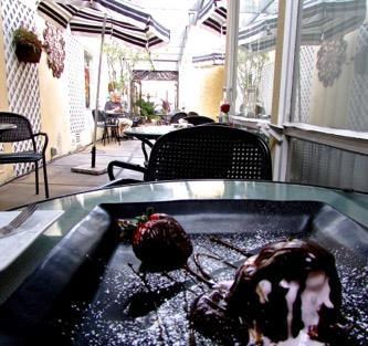 Finchs-la-jolla-restaurant-bistro-food-dining-dessert-lane