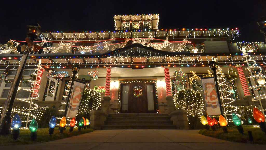 San Diego Bay Parade of Lights: The Bay - Where To See The Best Christmas Light Displays In San Diego